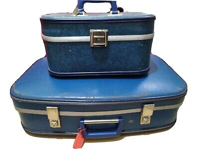 Vintage suitcases X 2 Teal Suitcase Beauty Case both with keys