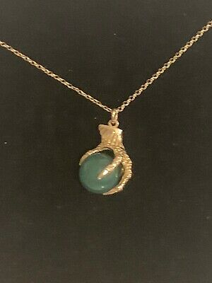 Green Jade gold pendant with 9 ct carat gold chain