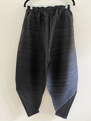 NWOT PLEATS PLEASE ISSEY MIYAKE Pleated Cropped PantsSize 5//XL
