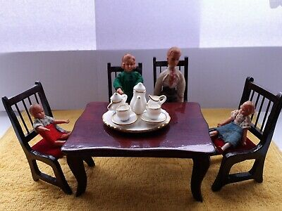 MAHOGANY RECTANGULAR TABLE AND FOUR CHAIRS 12TH SCALE DOLLS HOUSE DINING ROOM