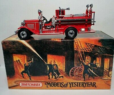 BOX /& COA Details about  /1997 Matchbox 1932 Ford AA Open Cab Fire Engine w//Santa YSC04-M 1:43