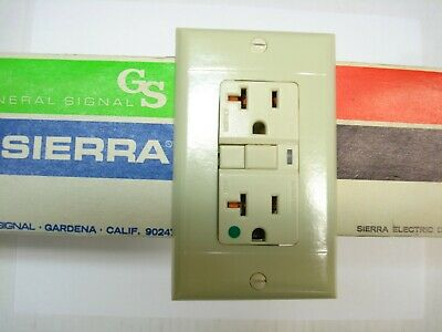 Vintage Ivory Decora GFCI Switch Outlet Wall Cover Plate Sierra P&S Smooth P-26