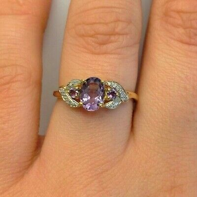 Ivy Gems 9ct Yellow Gold Special Cut Lilac /& Purple Amethyst Trilogy Ring Size L