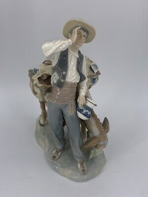 "Lladro Daisa #4859 ""Peddler"" and his Donkey RETIRED IN 1985 10.5"" (SPG042957)"