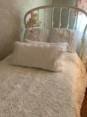 Antique Vintage Hand Crocheted Coverlet*Intricate Work*Gorgeous*Pristine*75 X 94