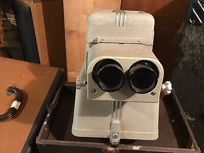 Triad Compco Model 500 Stereo Projector. + CASE + SLIDE CARRIAGE #A693 WORKING!