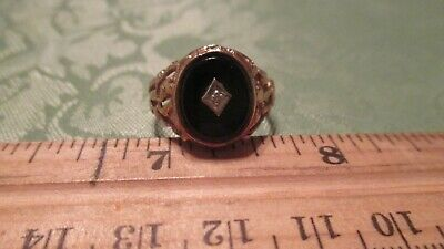 10kt diamond gold nugget ring.  size 10     4.2g