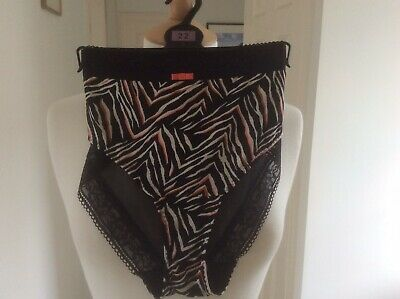 UK16 Marks /& Spencer Black Brazilian Knickers with Lace Trim RRP £6