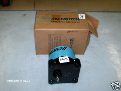 Micro Switch (Whitey) X-Proof Snap Switch12GX200 (NIB)