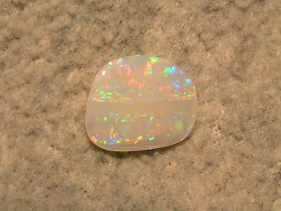 Brillanter Multicolor Olympic Field Opal  4,2ct. !!!