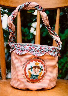 DOTTIE'S ANGEL DIDDIE || Punchneedle Bag Pattern || HATCHED & PATCHED