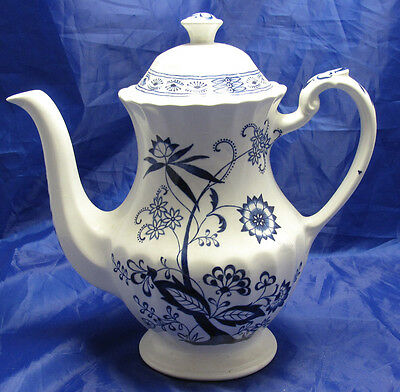 J&G MEAKIN BLUE NORDIC COFFEE POT AND LID 7 INCHES 9 INCHES WITH LID 4 CUP