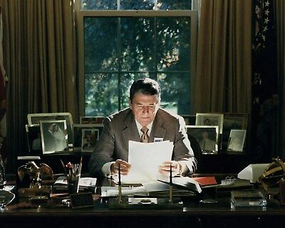 President Ronald Reagan Oval Office 11 x 14 Poster  Photo Picture