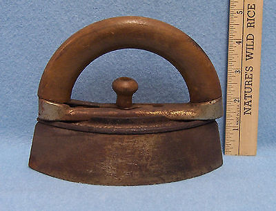 Vintage Antique Heavy Metal Sad Iron The A.C. Williams Ravenna Ohio USA Handle