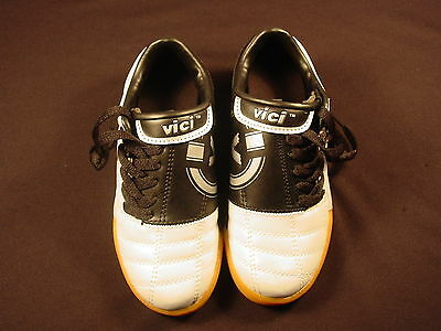 NEW Vici Eclipse Indoor Soccer Shoes Silver and Black #7950 Junior Boys Girls