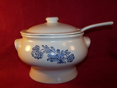 Pfaltzgraff ~ Yorktowne USA ~ Large Soup Tureen with Lid and Ladle