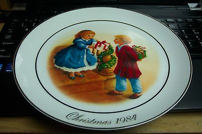 "1984 Avon Christmas Plate "" Celebrating the Joy oj Giving"" Collectors Plate"