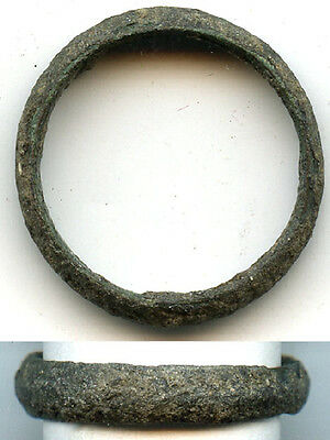 Ancient bronze Celtic finger ring (size ~6 1/2), 800-500 BC, Danube Area