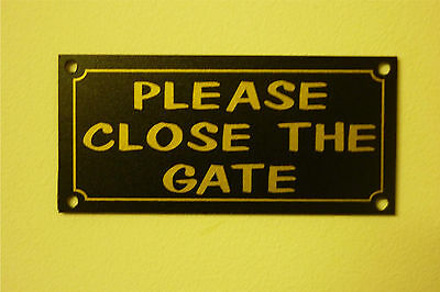 Please Close The Gate House/Garden Property Sign/Sticker small size 100mm x 45mm