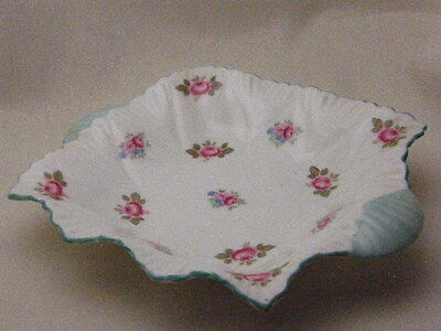 SHELLEY ENGLAND 13426 ROSEBUD NUT CANDY BUTTER SERVING PLATE BOWL DISH HANDLES