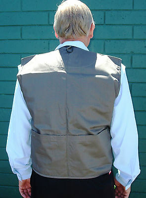 Force Ten Fishing Vest Ideal for flyfishing 10 pockets with removable fly patch