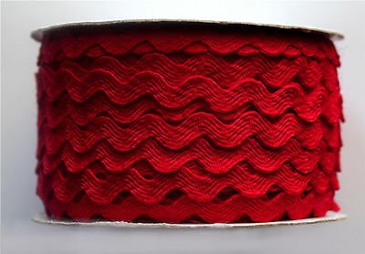 Ric Rac Bolt   [ 25 yards ]  Red -  7mm  wide