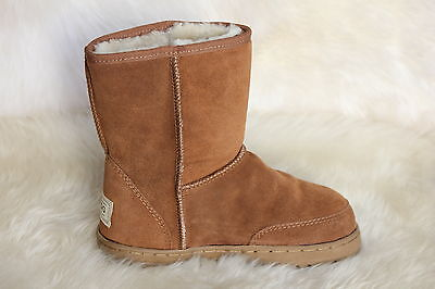 Sheepskin Ugg Boots Short Outdoor Sole Size 5 Ladys