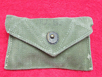US WWII First Aid Pouch W/Small Carlisle Model Battle Dressing