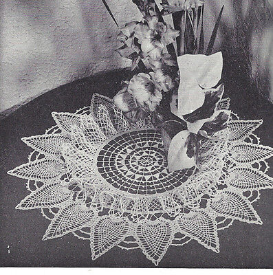 Vintage Crochet PATTERN to make Ruffled Pineapple Spears Doily Centerpiece Mat