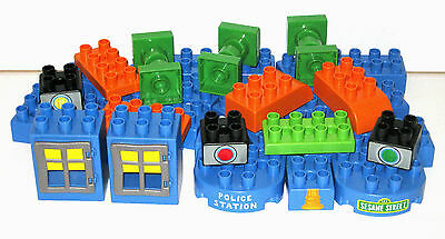 K'NEX K'Nex Sesame Street Police Station 30 assorted replacement blocks VGC