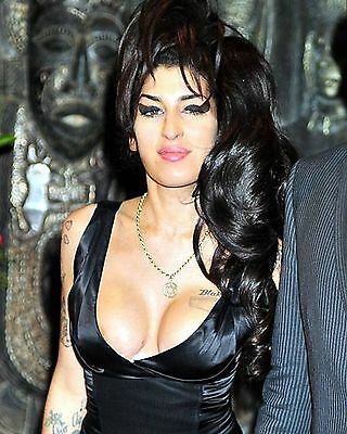 Amy Winehouse 8X10 Glossy Photo Picture Image #2