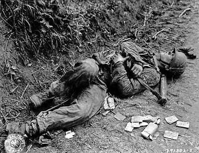 GRAPHIC B&W WW2 Photo WWII Dead German Soldier MG34
