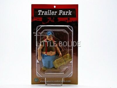 AMERICAN DIORAMA 1/18 FIGURINES Trailer Park - Cousin Budford 23874