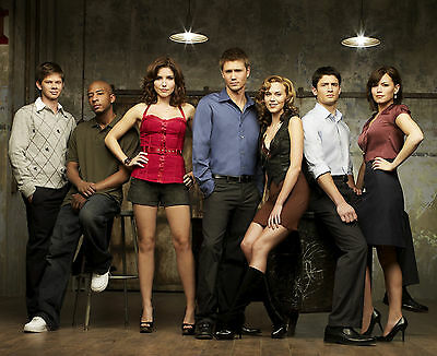 One Tree Hill Cast 8X10 Glossy Photo Picture Image #2