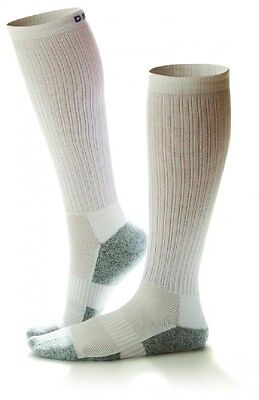 DR COMFORT Unisex Diabetic White Moderate Compression Support Sport Socks 15-20