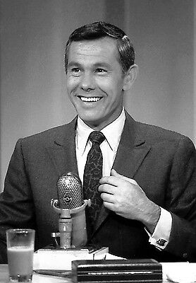 Johnny Carson 8X10 Glossy Photo Picture
