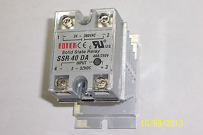 1 Pc 24-380 Vac , 40 Amp Solid State Relay , 3-32 Vdc Input / With Heatsink !!