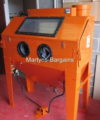 SBC420 Industrial Sand Blasting Cabinet, Ideal For Blasting Wheels and Parts