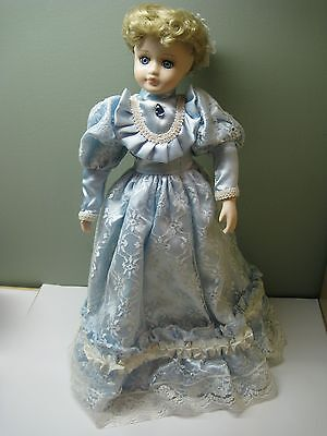 PORCELAIN DOLL SEYMOUR MANN CONNOISSEUR COLLECTION JESSICA  Limited Edition