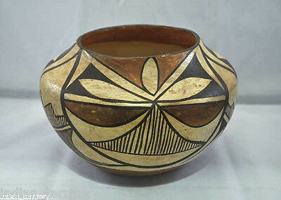 "Acoma Pueblo Polychrome Indian Olla, c.1930, early-style concave base 7.25""x5"""