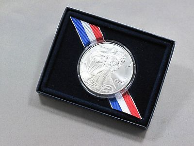 2010 American Silver Eagle Walking Liberty 1oz Coin in US Mint Box