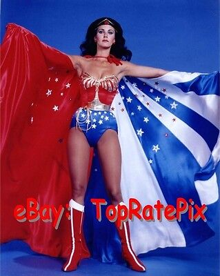 LYNDA CARTER  -  Sexy Superhero: Wonder Woman  -  8x10 Photo #7