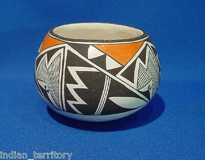 Authentic Acoma Pottery Jar by Emma Lewis c.1980