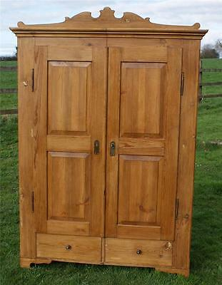 A FANTASTIC  19th CENTURY ANTIQUE GERMAN SOLID PINE ARMOIRE  WARDROBE