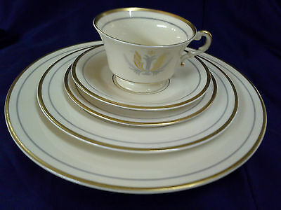 Syracuse China GOVERNOR CLINTON Pattern 5 PIECE PLACE SETTING