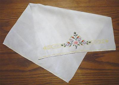 VTG. ESTATE WHITE BIRD'S EYE LINEN HAND TOWEL w/FLORAL PETIT-POINT DESIGN-EUC