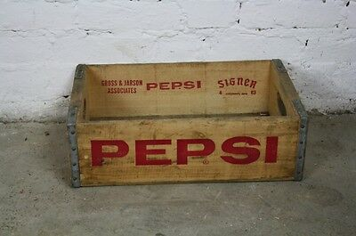 VINTAGE WOODEN PEPSI SODA CRATE 70s RETRO TRUG BOX RED