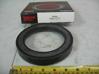 National Trailer Axle Wheel Seal Federal Mogul P/N 370065A Ref. # B370065BG4