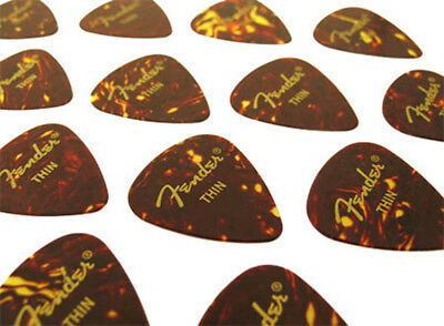 12x FENDER 351 PLECTRUM PICKS PLEKS SHELL THIN PLEKTREN SET FÜR E-GITARREN. NEU