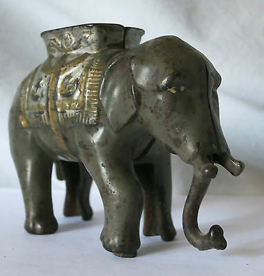Early 1900S Small Elephant With Howdah Cast Iron Bank Moving Trunk A.c. Williams